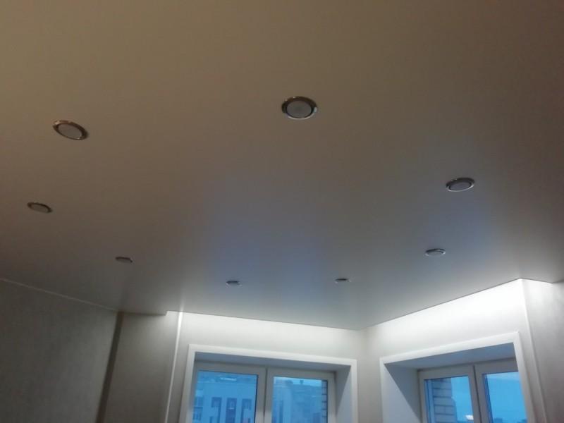 Сатиновое натяжной потолок