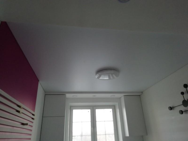 Матовый натяжной потолок